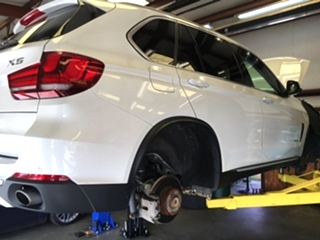 BMW X5 Repair BMW X5 Repair, BMW X5 brake repair and engine oil service.